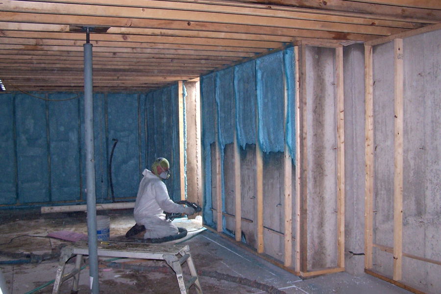 Insulation r values and performance characteristics for Fenetre isolante