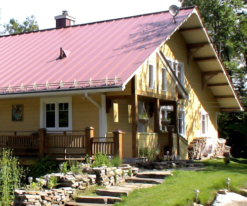 Choosing between different roofing materials green home guide ecohome - Options for roof remodeling ...