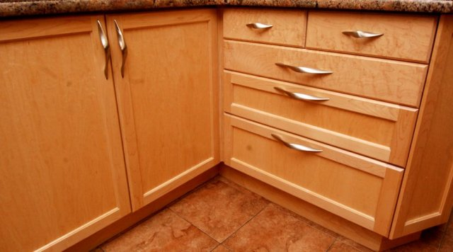 Choose Formaldehyde-free cabinets for your green kitchen