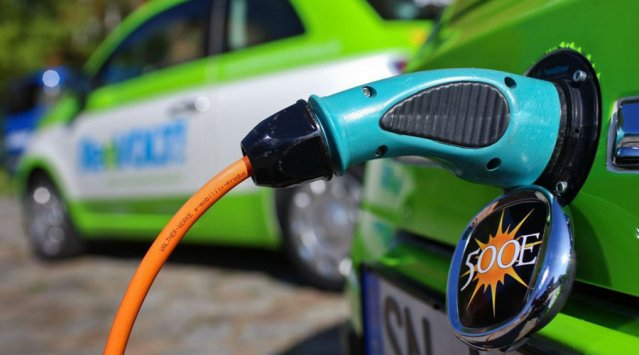 Electric Vehicles getting help from the provinces