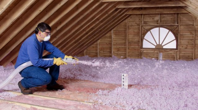 Blown-in fiberglass attic insulation