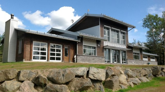 The Passive Solar Home In Lac Kenogami, Quebec