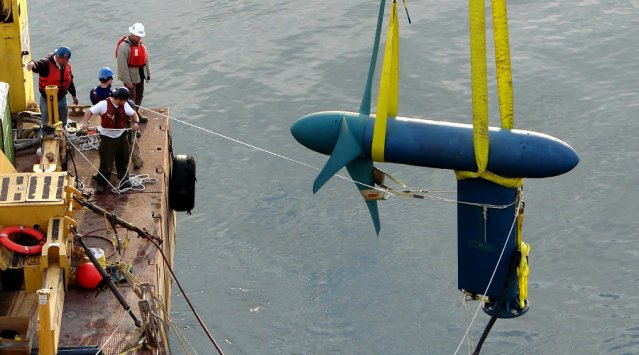 The installation of tidal turbines In New York's East River