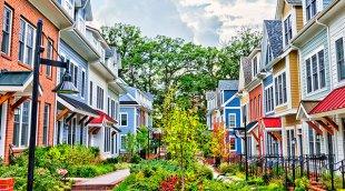 Row house in walkable neighbourhood