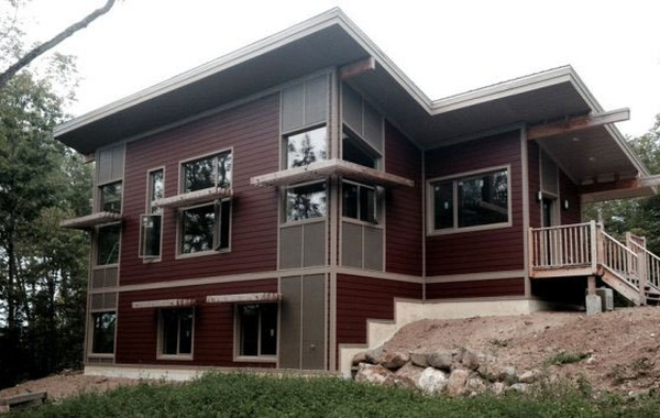 Off-grid LEED Gold house in Low, Quebec