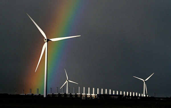 Wind turbine © Jinterwas, Flickr
