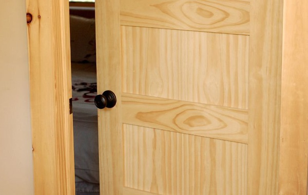 Interior solid pine door