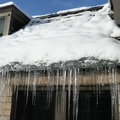 Ice dams on roofs & how to fix them