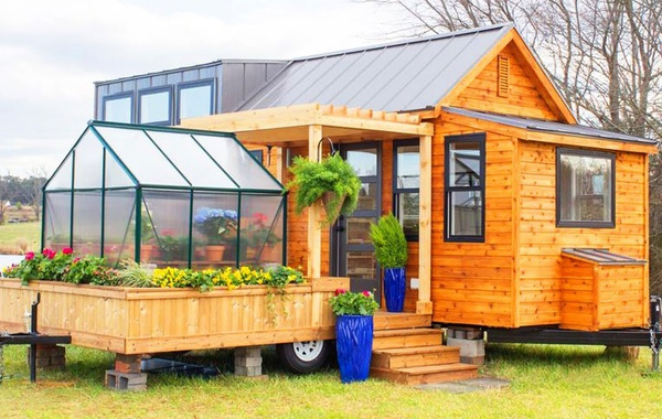 A Tiny House with a Greenhouse - Yes it's Possible!