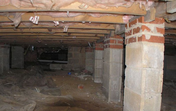 Insulating crawlspaces as part of home renovation