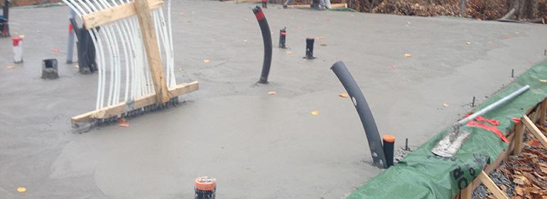 Guide de la dalle sur sol argileux: béton coulé