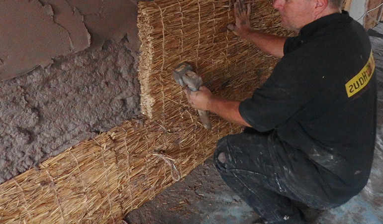 Elephant grass natural home insulation